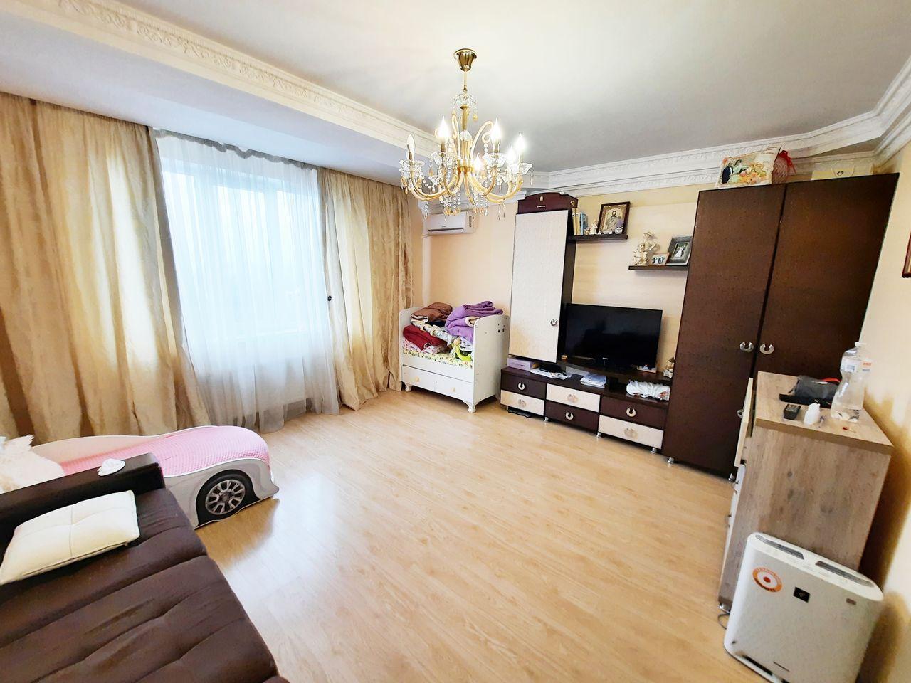 Apartament cu 1 cameră, mobilat, spațios, luminos