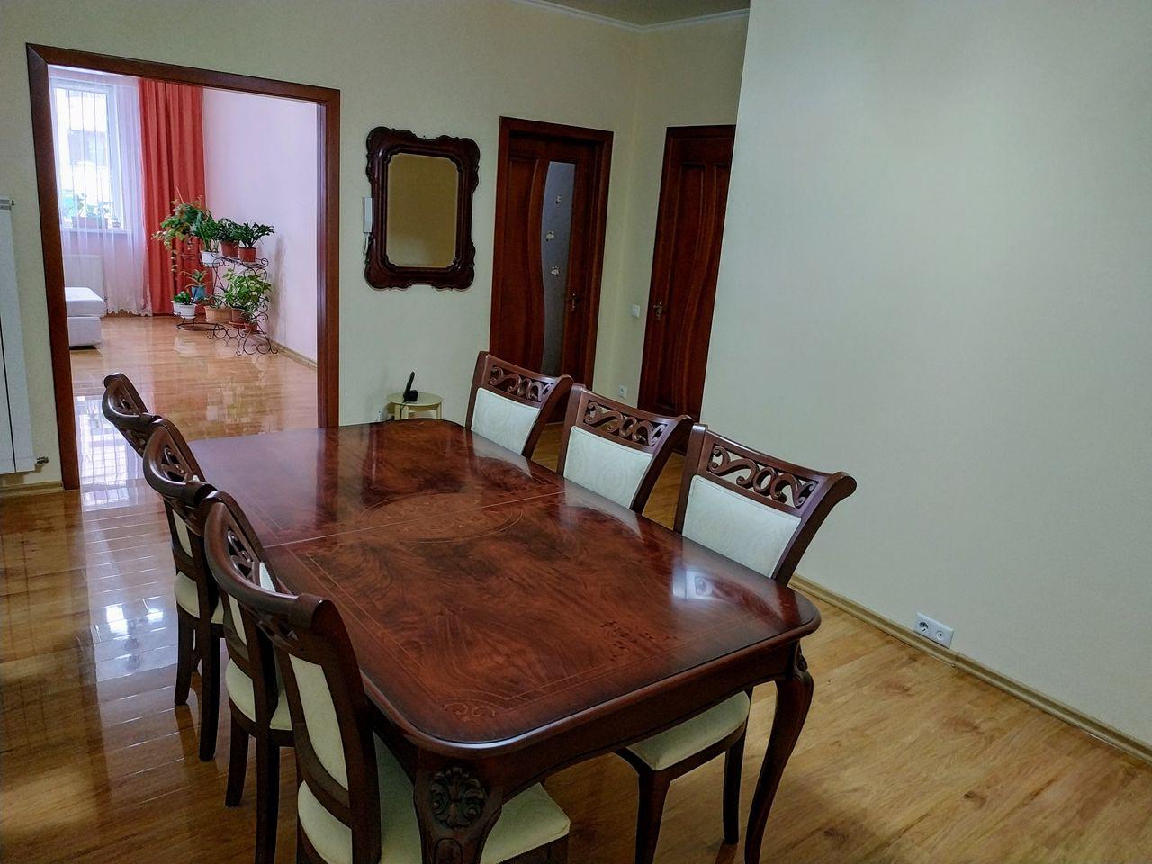 Apartament cu 2 dormitoare + living, Buiucani
